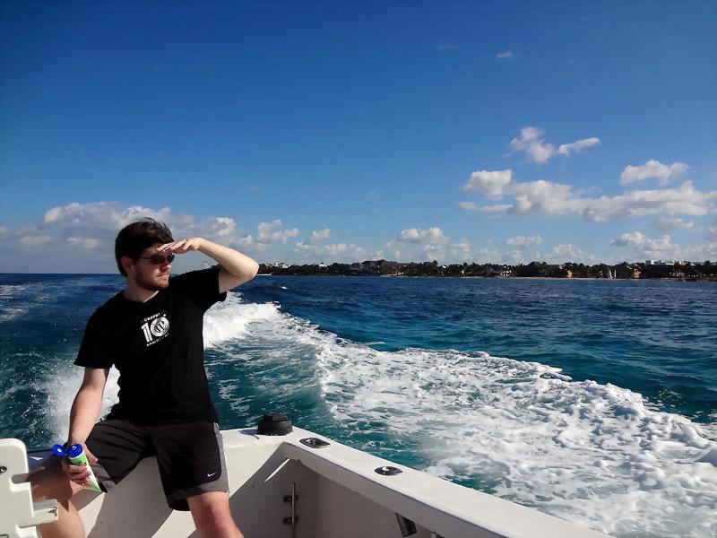 snorkel-boat